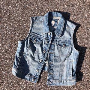LC Lauren Conrad Jackets & Coats - Lauren Conrad Denim Vest size M